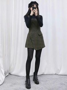 Korean fashion - black turtleneck, army green overall dress, stockings and black. - Korean fashion – black turtleneck, army green overall dress, stockings and black ankle boots Source by LynnMayGreen - Mode Outfits, Casual Outfits, Fashion Outfits, Dress Fashion, Fashion Boots, Fashion Ideas, Casual Shoes, Hipster Outfits, Dress Casual