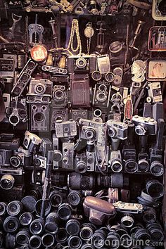 Google Image Result for http://www.dreamstime.com/old-cameras-thumb17460889.jpg
