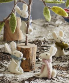 These precious snow bunnies will warm your heart this holiday season. The bunnies have soft scarves around their necks in preparation for the chilly weather. Decorate your tree this Christmas with the