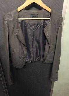 Kaufe meinen Artikel bei #Kleiderkreisel http://www.kleiderkreisel.de/damenmode/mantel-and-jacken-sonstiges/123019214-ledet-look-bolero-von-only