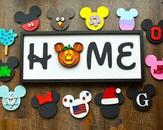 This is perfect sign for any season in any home! This sign in X The basic price includes interchangeable heads! Choices of mickeys: mickey Minnie snowflake be mine Easter egg Ice cream Flag pumpkin turkey Santa Monogram ( Disney Christmas Decorations, Disney Home Decor, Christmas Crafts, Casa Disney, Disney Rooms, Disney House, Home Crafts, Diy And Crafts, Arts And Crafts