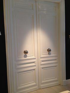 Double doors/white laquer