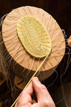 Bamboo Basket, Hat Stands, Hat Hairstyles, Hat Making, Diy Projects To Try, Design Crafts, Hand Fan, Basket Weaving, Vintage Men
