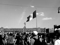 Entrada al Zócalo de la Ciudad de México