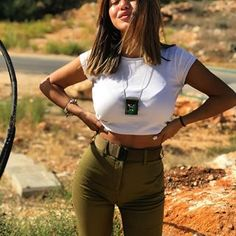 Women Israel Defense ❤ Forces beautiful women have dedicated their lives to ❤ being of service for their countries. ARMY ❤ women with uniform. Idf Women, Military Women, Israeli Female Soldiers, Israeli Girls, Brave Women, Military Girl, Girls Uniforms, Models, Gorgeous Women