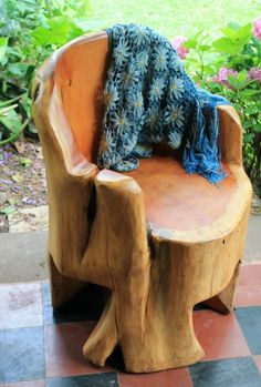 stump carved chair