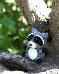 Raccoon Amigurumi Crochet Pattern.