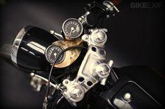 画像: メーター周りも美しすぎます kickstart.bikeexif.com