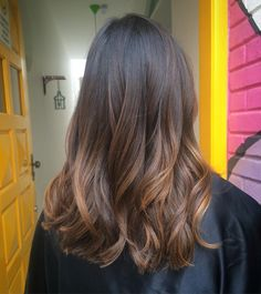 37 trend and beautiful hair color for 2020 # beautiful # hair color decoration 2020 Hair Trends Beautiful color decoration Hair trend Bronde Hair, Brown Hair Balayage, Brown Blonde Hair, Brunette Hair, Hair Highlights, Ombre Hair, Curly Hair Styles, Medium Hair Styles, Beautiful Hair Color