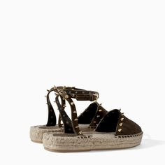 Pin for Later: Les espadrilles n'ont jamais été aussi tendance ! Offrez-vous vite une paire en ligne ! Espadrilles à clous Zara Zara Leather Sandals With Studs and Espadrille Sole ($80)