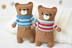 I call this a one evening teddy bear, because it is so easy and fun to make. The body works up in one piece starting with the legs and ending with the ears, so it is perfectly suitable for those who do not like joining the pieces.