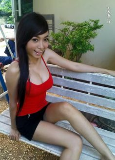 Elly Tran Ha (20) nude, Relude Photo Gallery
