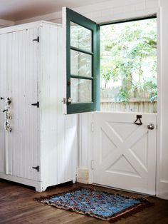 Nine gorgeous dutch doors that redefine house exterior goals. Interior Barn Doors, Exterior Doors, Dutch Door Exterior, Split Door, House Doors, Kitchen Doors, Back Doors, Diy Door, Wood Doors