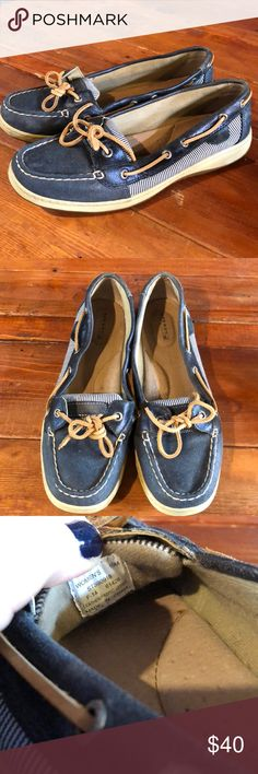 Sperry Top-Siders Navy Blue with stripes 10M Like new! Navy Sperry's with thin white and navy striped fabric sides. Sperry Shoes Flats & Loafers