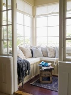 This combines my sunroom and window seat in a lovely nook! Cozy Nook, Cozy Corner, Corner Bench, Living Spaces, Living Room, Deco Design, My Dream Home, Home Fashion, Sweet Home
