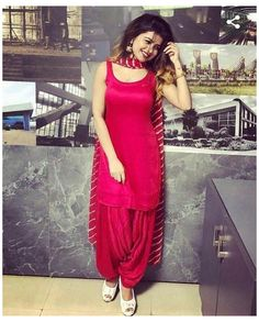 Salwar Designs, Patiala Suit Designs, Kurti Neck Designs, Kurta Designs Women, Kurti Designs Party Wear, Blouse Designs, Dress Designs, Punjabi Suit Neck Designs, Punjabi Dress Design