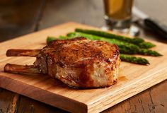 Meat Lovers: The Best Way to Cook Slow-Roasted Meat Cooking Gadgets, Cooking Tips, Gourmet Recipes, Beef Recipes, Recipies, Food Suppliers, Steak And Seafood, Slow Roast, Roasted Meat