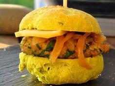 Hambougnat (burger auvergnat façon pounti, au Salers et bleu d'Auvergne)