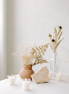 Natural simplistic wedding decor by Tellurian Events weddingdecor weddinginspiration is part of Home decor -