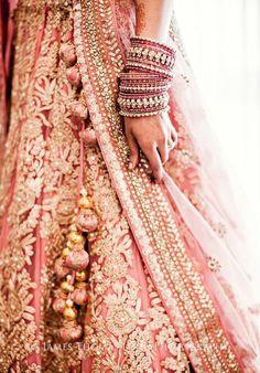 Latest Indian wedding Lehenga Style Ideas for brides! Indian Wedding Lehenga, Indian Bridal Wear, Indian Wedding Outfits, Bridal Outfits, Bridal Lehenga, Indian Outfits, Bridal Dresses, Bride Indian, Indian Lehenga
