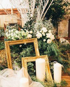 . 高砂 . 理想の額とロウソクを集めるのが大変だった おかげでここが1番お気に入り♡♡ . #結婚式#高砂ソファ#2016秋婚#ブラス花嫁#オランジュベール#卒花嫁#キャンドル#装花#高砂装花