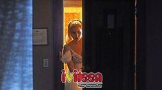 """""""American Horror Story"""" gia hạn mùa thứ 6 dù rating sụt giảm - http://www.iviteen.com/american-horror-story-gia-han-mua-thu-6-du-rating-sut-giam/ (Bài viết có tiết lộ nội dung phim)  Dù mới chỉ đi được nửa chặng đường và có nhiều tranh cãi khen chê từ giới phê bình lẫn khán giả, series phim kinh dị đình đám American Horror Story  (AHS) đã nắm chắc một tấm vé gia hạn cho mùa tiếp theo. Hiện t�"""