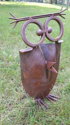 New Garden Decoration Metal Yard Art Ideas Welding Art Projects, Metal Art Projects, Metal Crafts, Diy Projects, Metal Sculpture Artists, Steel Sculpture, Art Sculptures, Sculpture Ideas, Garden Sculpture