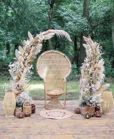 "Martha Stewart's words of wisdom: ""pampas grass make a beautiful statement in arrangements by adding texture, height, and a certain… Wedding Show, Chic Wedding, Baby Shower Decorations, Wedding Decorations, Event Planning, Wedding Planning, Boho Garden Party, Rustic Bohemian Wedding, Fleurs Diy"