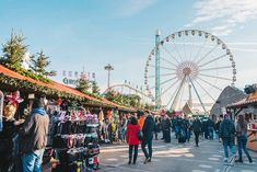 Traditional Christmas market at Hyde Park Winter Wonderland: The best Christmas markets and fairs for Christmas shopping in London 2018 Best Christmas Markets, London Christmas, Christmas Traditions, Christmas Shopping, Christmas 2019, Christmas Lights, Hyde Park, Winter Wonderland, Traditional German Food