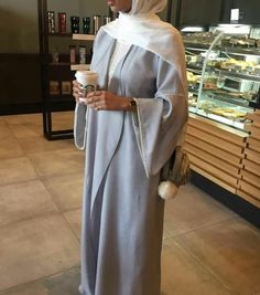 Hijab Fashion 2017 : Sélection de plus de 100 looks en Abaya tendance et chic Hijab Fashion Selection of more than 100 looks in trendy and chic Abaya Islamic Fashion, Muslim Fashion, Modest Fashion, Hijab Fashion 2017, Abaya Fashion, Abaya Style, Abaya Chic, Hijab Chic, Hijab Fashionista