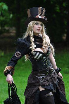 Elegant Steampunk cosplay