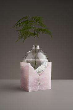 5 Mind Blowing Tricks: Vases Design Modern floor vases with flowers.Clear Vases Home copper vases filler.Vases Interior Blue And White. Wabi Sabi, Scandi Living, Cristal Art, Keramik Vase, Ikebana, Hand Blown Glass, Krystal, Interior And Exterior, Home Accessories