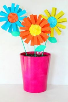 Wanna help your kids develop their artistic and motor skills learn colorful cardboard tube flowers this fun craft starts as empty cardboard tubes and ends up as a colorful bouquet of flowers its a great way for kids to mightylinksfo
