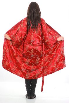Vintage Asian Japanese Kimono robe jacket Beautiful rayon damask print with dragons Deep red Wrap closure with tie Brand is written in Asian Fits like one size. CONDITION Very Good vintage condition;
