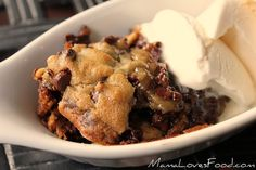 Deep Dish Chocolate Chip cookie pie!!  OH MY GOODNESS------this looks easy & yummy