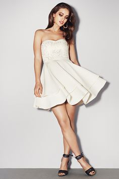 Cute party dress! Flirty in white. H&M. #PARTYINHM.