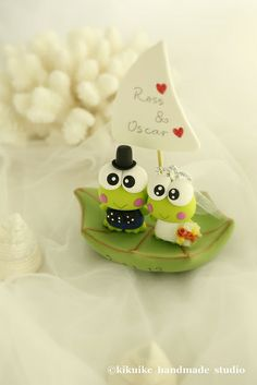 Keroppi wedding cake topper by charles fukuyama, via Flickr