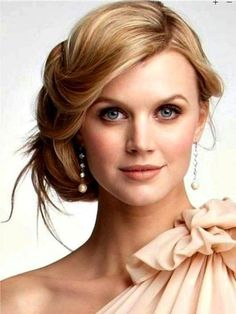 Love Wedding hairstyles for medium length hair? wanna give your hair a new look ? Wedding hairstyles for medium length hair is a good choice for you. Here you will find some super sexy Wedding hairstyles for medium length hair, Find the best one for you, Wedding Hairstyles For Long Hair, Wedding Hair And Makeup, Bride Hairstyles, Pretty Hairstyles, Hair Makeup, Wedding Updo, Bridesmaid Hairstyles, Hairstyle Ideas, Bridal Makeup