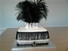 Themed Cake For a new years eve party, none of the decoration is edible, so once I'd covered the cake in fondant it took minutes. 1920s Theme, 1920s Party, Gatsby Party, 1920s Cake, Roaring 20s Wedding, New Years Eve Day, Cocktail Sticks, Cake Decorating Techniques, Decorating Ideas