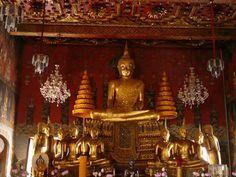 Image from http://www.holidaythai.com/images/attraction/00382_wadsuwandaram2.JPG.