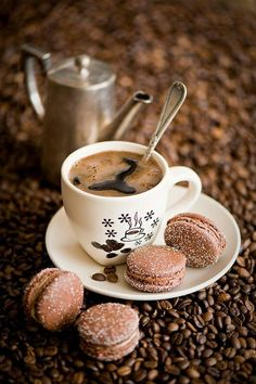 coffee and beautiful little chocolate macarons. But First Coffee, I Love Coffee, Coffee Art, Coffee Break, My Coffee, Coffee Drinks, Morning Coffee, Coffee Shop, Coffee Cups