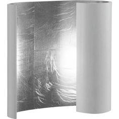 Diese Wandleuchte ist das ästhetische Highlight für Ihr Zuhause. Der künstlerisch gebogene Lampenschirm aus Aluminium ist an der Außenseite pulverbeschichtet. Das gewisse Etwas erstrahlt im Inneren: Die von einer LED-Lampe beleuchtete Fläche ist komplett mit Blattsilber ausgekleidet. So sorgt die Wandleuchte für glänzenden Charme in Ihrem Wohn- oder Essbereich!