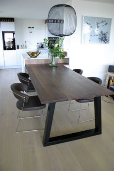 tafel en keukendetails - Meubelmakerij Kruizinga Dining Table, Doors, Furniture, Home Decor, Decoration Home, Room Decor, Dinner Table, Home Furnishings, Dining Room Table