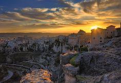 Puesta de Sol en Cuenca by César Vega on 500px