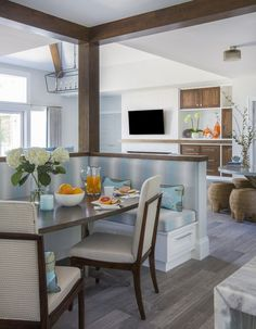 Built In Seating Dining Room Elegant 25 Charming Kitchen Banquette Ideas Gorgeous Banquette Smart Kitchen, Kitchen Built Ins, Kitchen Reno, Restaurant Banquette, Banquette Seating In Kitchen, Kitchen Tables, Kitchen Dining, Kitchen Table Makeover, Booth Seating
