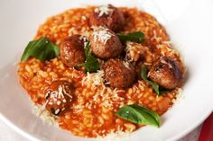 Tomato and meatball risotto. This warming meatball risotto is the perfect meal solution - for kids of all… Chicken Tomato Pasta, Tomato Risotto, Chicken Risotto, Tomato Pasta Sauce, Risotto Recipes, Orzo Recipes, Rice Recipes, How To Cook Meatballs, Ground Beef
