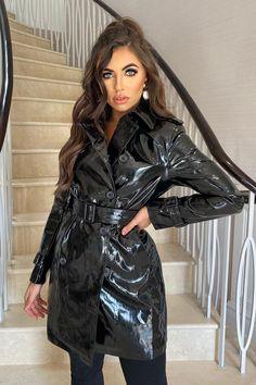 Vinyl Raincoat, Pvc Raincoat, Plastic Raincoat, Imper Pvc, Celebrity Boots, Rain Fashion, Black Raincoat, Vinyl Clothing, Latex Dress