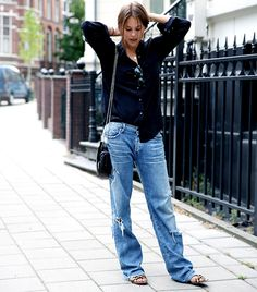 A Street Style Denim Look For Every Day Of The Month - Total Street Style Looks And Fashion Outfit Ideas Androgynous Fashion, Tomboy Fashion, Denim Fashion, Look Fashion, Womens Fashion, Style Androgyne, Estilo Denim, Mode Jeans, Mein Style