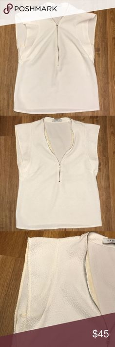 Sandro Paris white top size s Sandro Top in preowned condition size s Sandro Tops