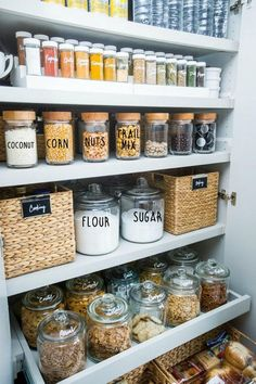 New kitchen pantry organization dollar tree signs ideas Kitchen Organization Pantry, Home Organisation, Organized Pantry, Pantry Ideas, Organization Hacks, Organize Fridge, Open Pantry, Closet Ideas, Organised Home